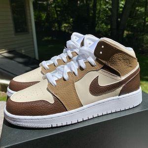 Custom Nike Air Jordan 1 Mid
